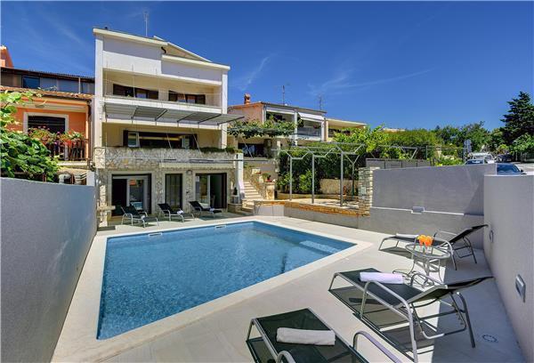 9 bedroom Villa in Pula, Istria, Croatia : ref 2261451 - Image 1 - Pula - rentals