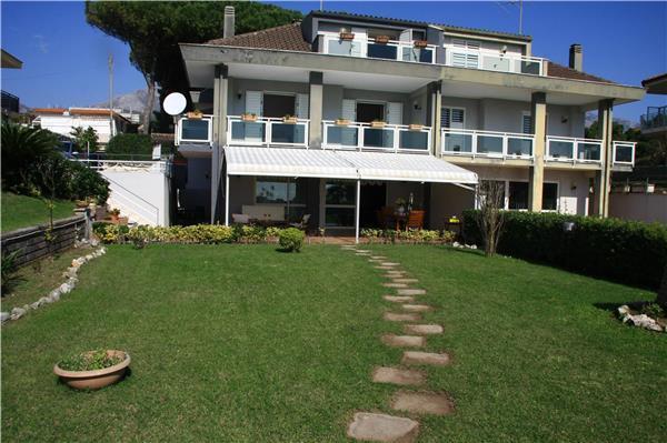 5 bedroom Villa in Formia, Lazio, Italy : ref 2262355 - Image 1 - Formia - rentals