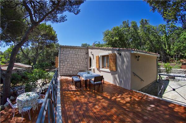 2 bedroom Villa in Pula, Istria, Croatia : ref 2263636 - Image 1 - Pjescana Uvala - rentals