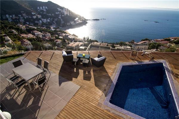 4 bedroom Villa in Rosas, Costa Brava, Spain : ref 2264636 - Image 1 - Roses - rentals
