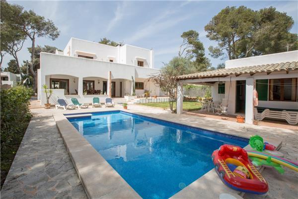 4 bedroom Villa in Cala D´Or, Mallorca, Mallorca : ref 2264985 - Image 1 - Cala d'Or - rentals