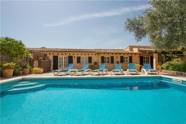3 bedroom Villa in Pollensa, Mallorca, Mallorca : ref 2265178 - Image 1 - Cala San Vincente - rentals