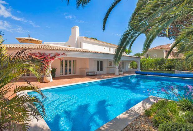 4 bedroom Villa in Quinta Do Lago, Algarve, Portugal : ref 2265949 - Image 1 - Vale do Garrao - rentals