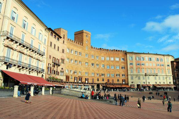 2 bedroom Apartment in Siena, Tuscany, Italy : ref 2266001 - Image 1 - Siena - rentals