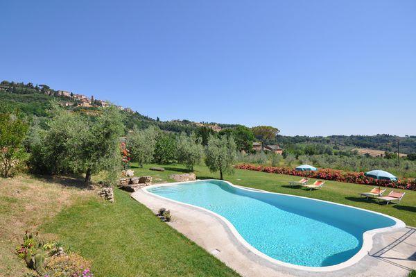7 bedroom Villa in Montepulciano, Tuscany, Italy : ref 2266068 - Image 1 - Montepulciano - rentals