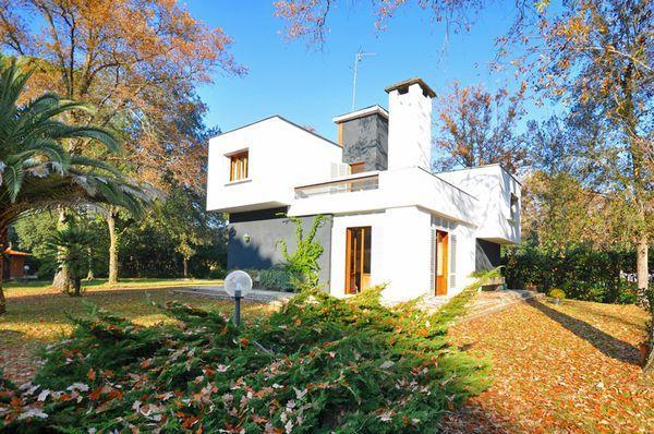 4 bedroom Villa in Forte Dei Marmi, Tuscany, Italy : ref 2266171 - Image 1 - Tonfano - rentals
