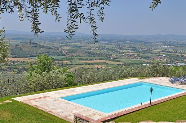4 bedroom Villa in Santa Lucia, Tuscany, Italy : ref 2266290 - Image 1 - San Pietro a Cegliolo - rentals