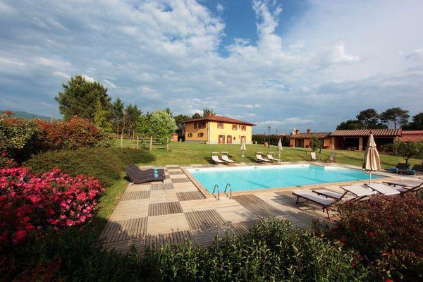 6 bedroom Villa in Bibbiena, Tuscany, Italy : ref 2268136 - Image 1 - Bibbiena - rentals