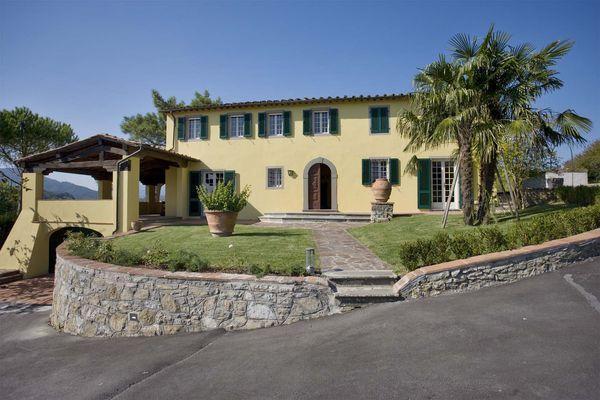 6 bedroom Villa in Lucca, Tuscany, Italy : ref 2268638 - Image 1 - San Michele di Moriano - rentals