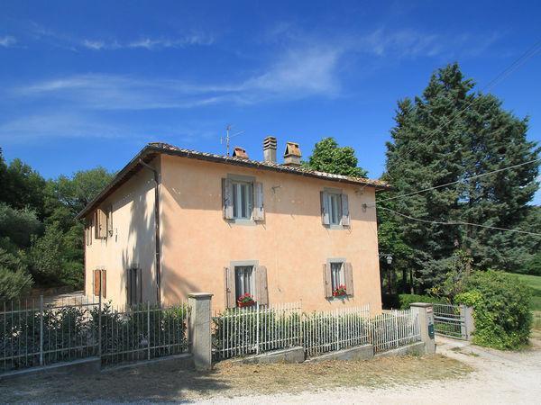 6 bedroom Villa in Magione, Umbria, Italy : ref 2269213 - Image 1 - San Feliciano sul Trasimeno - rentals