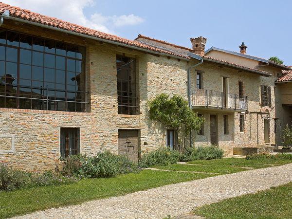 5 bedroom Villa in Trezzo Tinella, Piedmont, Italy : ref 2269236 - Image 1 - Trezzo Tinella - rentals