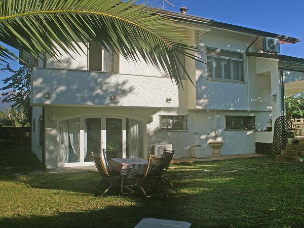 5 bedroom Villa in Forte Dei Marmi, Tuscany, Italy : ref 2269706 - Image 1 - Forte Dei Marmi - rentals