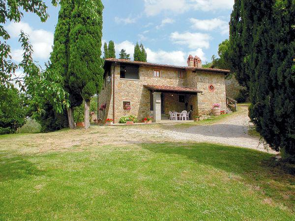 6 bedroom Villa in Terranuova Bracciolini, Tuscany, Italy : ref 2269844 - Image 1 - Terranuova Bracciolini - rentals