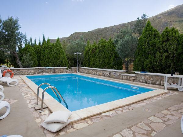4 bedroom Apartment in Castellammare Del Golfo, Sicily, Italy : ref 2269883 - Image 1 - Castellammare del Golfo - rentals