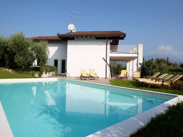 5 bedroom Villa in Paradiso, Lombardy, Italy : ref 2270056 - Image 1 - San Felice del Benaco - rentals