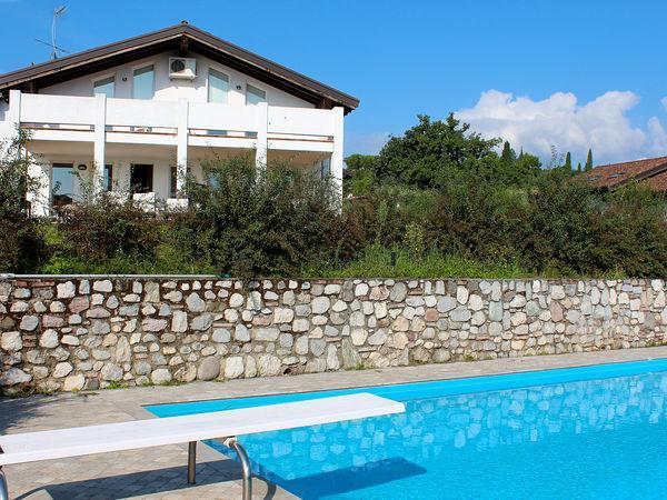 5 bedroom Villa in Paradiso, Lombardy, Italy : ref 2270090 - Image 1 - San Felice del Benaco - rentals