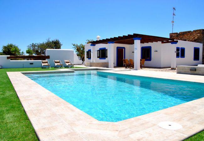 3 bedroom Villa in Santa Eulalia Del Río, Sant Carles De Peralta, Ibiza : ref 2271985 - Image 1 - Roco Llisa - rentals