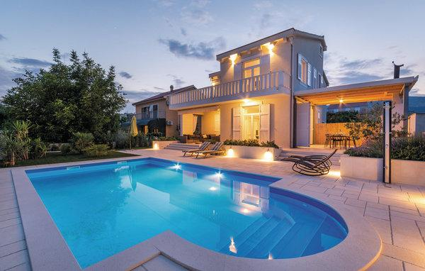 4 bedroom Villa in Trogir-Kastel Stafilic, Trogir, Croatia : ref 2278821 - Image 1 - Kastel Stafilic - rentals