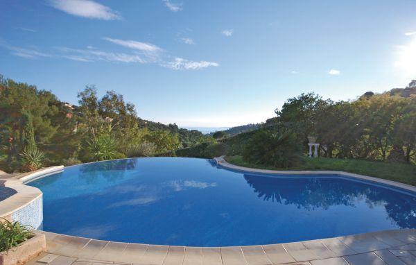 3 bedroom Villa in Les Issambres, Var, France : ref 2279662 - Image 1 - Les Issambres - rentals