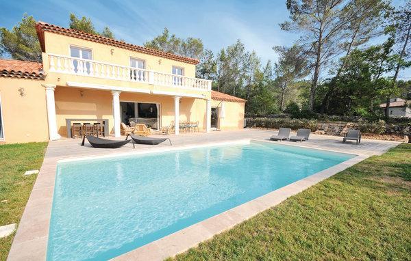5 bedroom Villa in Fayence, Var, France : ref 2279740 - Image 1 - Saint-Paul-en-Foret - rentals