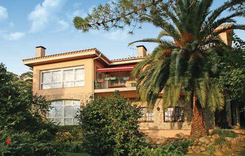 7 bedroom Villa in Lloret de Mar, Costa Brava, Spain : ref 2280914 - Image 1 - Lloret de Mar - rentals