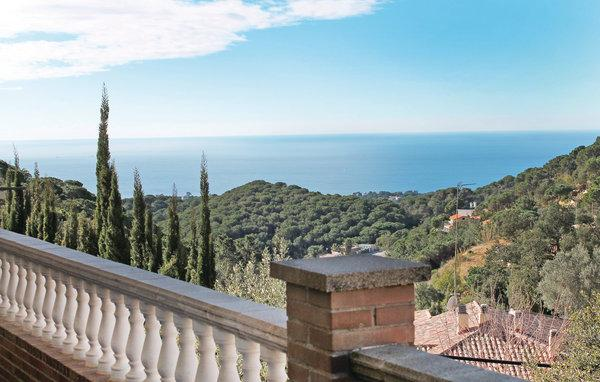 7 bedroom Villa in Lloret de Mar, Costa Brava, Spain : ref 2281003 - Image 1 - Lloret de Mar - rentals