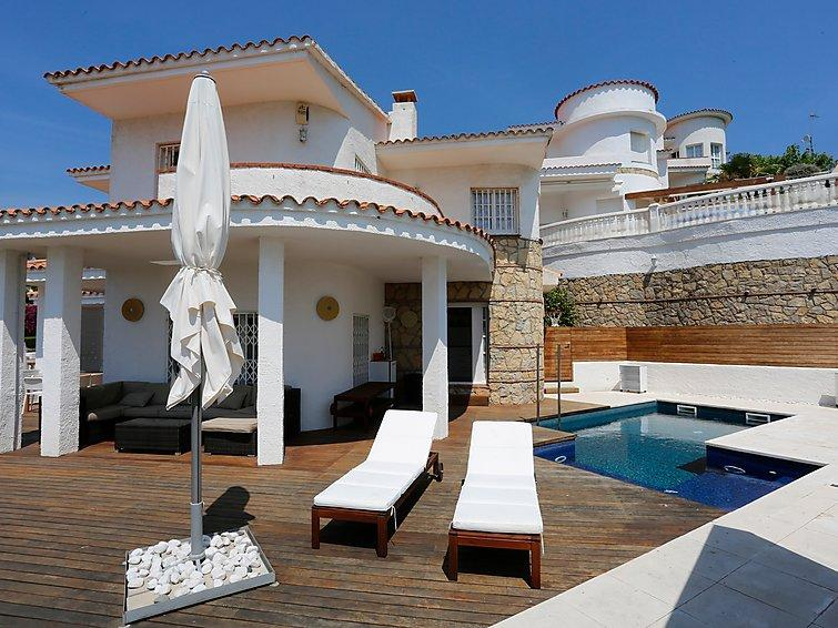 4 bedroom Villa in Miami Platja, Costa Daurada, Spain : ref 2284129 - Image 1 - Miami Platja - rentals