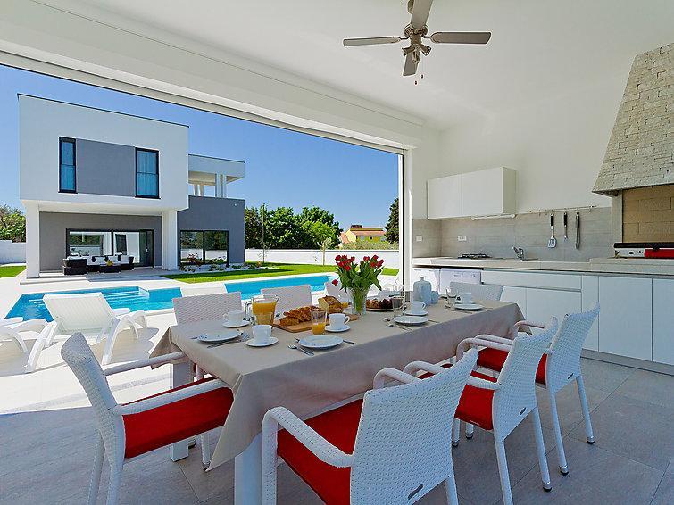 4 bedroom Villa in Stinjan, Istria, Croatia : ref 2285059 - Image 1 - Stinjan - rentals
