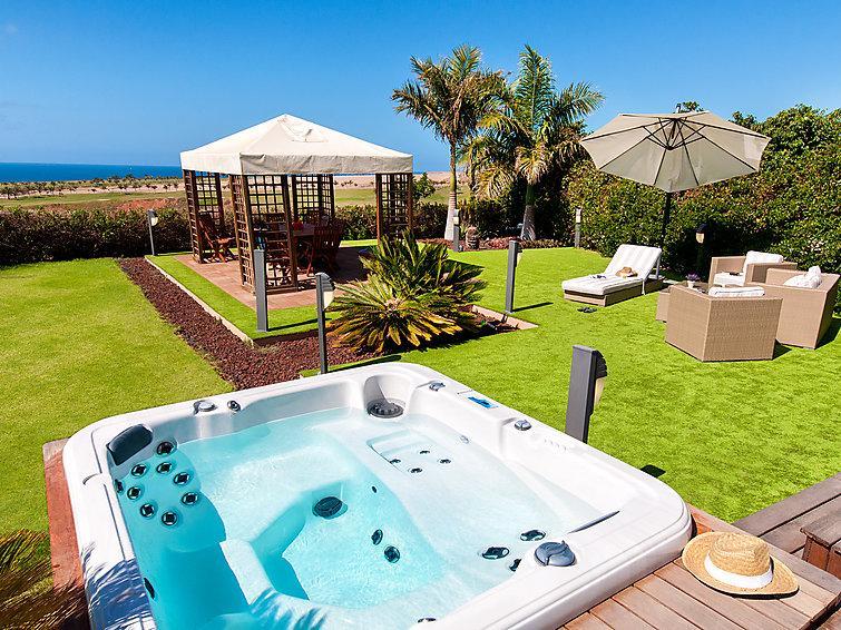 4 bedroom Villa in Maspalomas, Gran Canaria, Canary Islands : ref 2285336 - Image 1 - Costa Meloneras - rentals