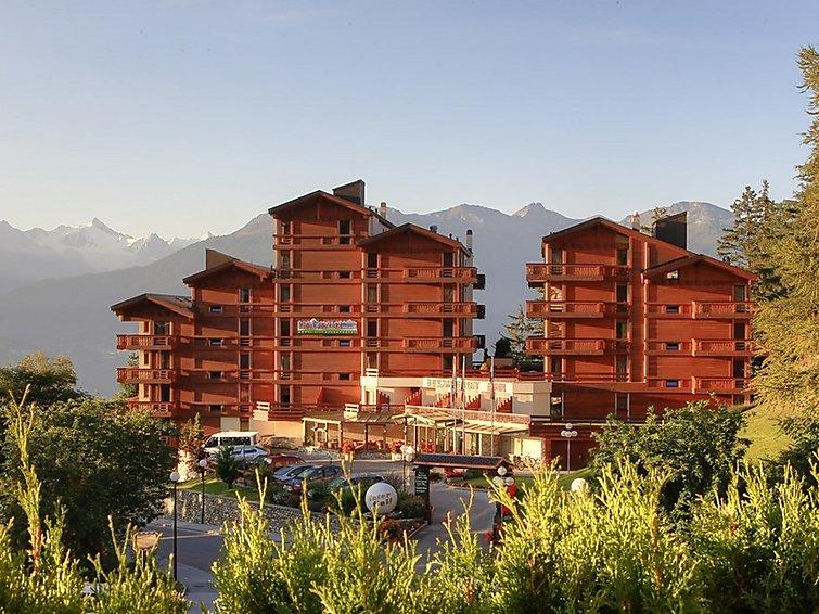 2 bedroom Apartment in Crans Montana, Valais, Switzerland : ref 2285619 - Image 1 - Crans-Montana - rentals