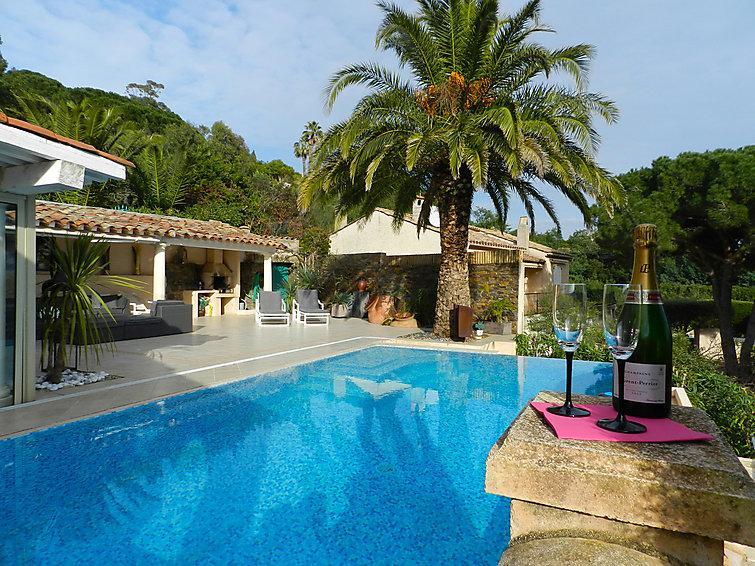 4 bedroom Villa in Saint Tropez, Cote d Azur, France : ref 2286661 - Image 1 - Ramatuelle - rentals