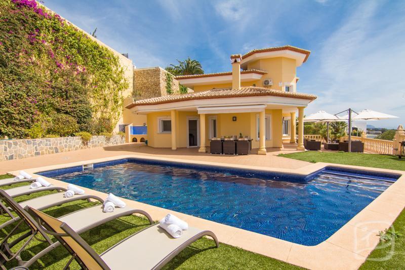 4 bedroom Villa in Calpe, Costa Blanca, Spain : ref 2287065 - Image 1 - La Llobella - rentals