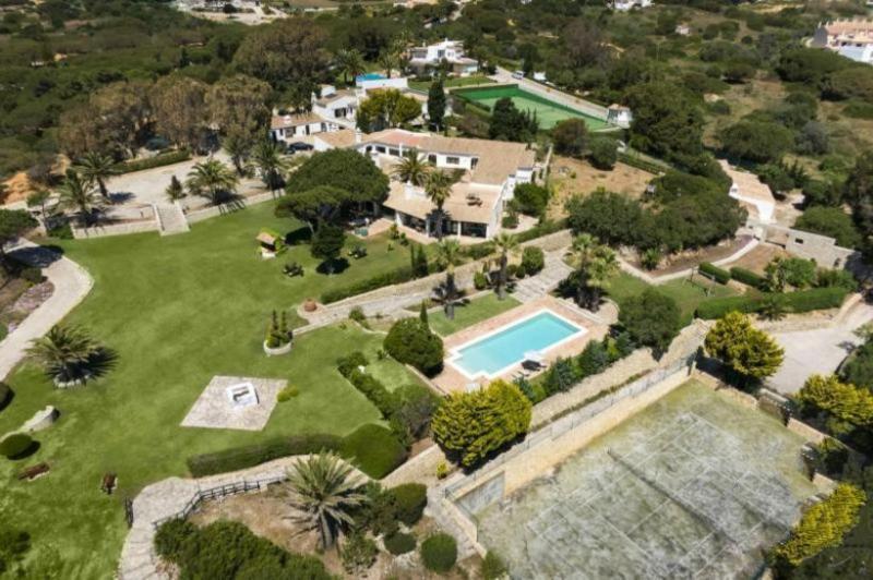7 bedroom Villa in Albufeira, Algarve, Portugal : ref 2291333 - Image 1 - Sesmarias - rentals