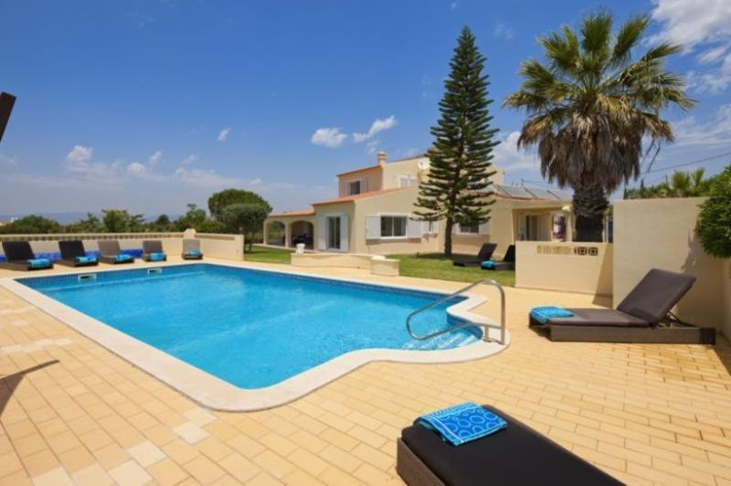 6 bedroom Villa in Carvoeiro, Algarve, Portugal : ref 2291351 - Image 1 - Carvoeiro - rentals