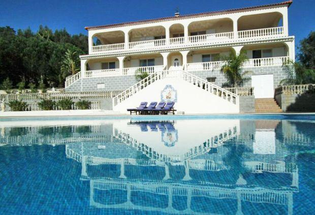 5 bedroom Villa in Portimao, Algarve, Portugal : ref 2293533 - Image 1 - Portimão - rentals