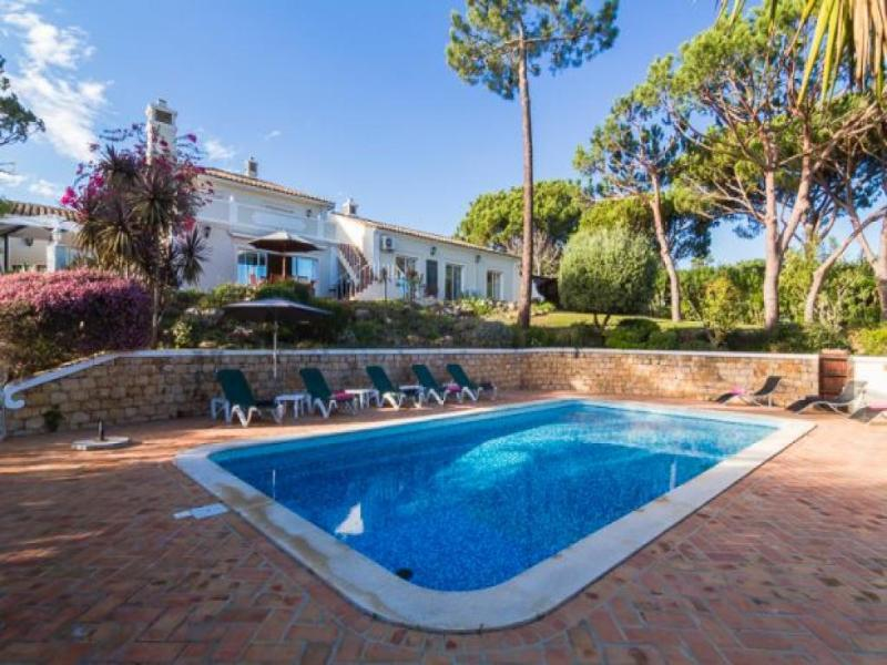 4 bedroom Villa in Quinta Do Lago, Algarve, Portugal : ref 2294882 - Image 1 - Quinta do Lago - rentals
