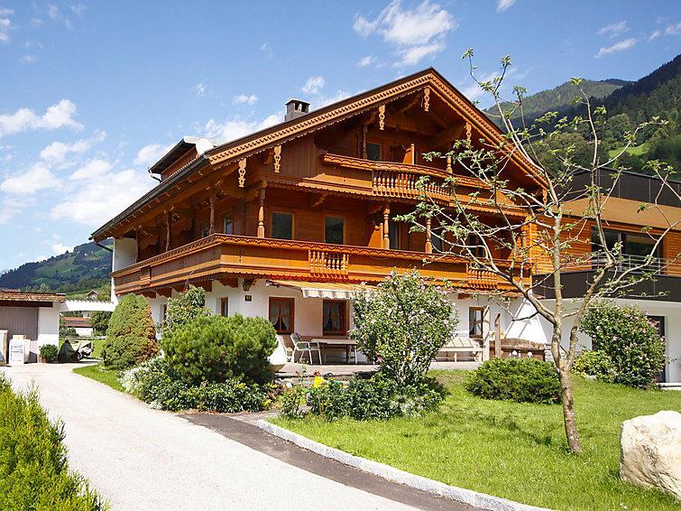 6 bedroom Villa in Mayrhofen, Zillertal, Austria : ref 2295489 - Image 1 - Mayrhofen - rentals