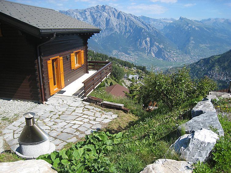 3 bedroom Villa in La Tzoumaz, Valais, Switzerland : ref 2296580 - Image 1 - La Tzoumaz - rentals
