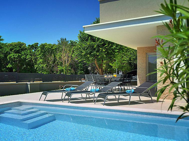 4 bedroom Villa in Fazana, Istria, Croatia : ref 2298921 - Image 1 - Fazana - rentals