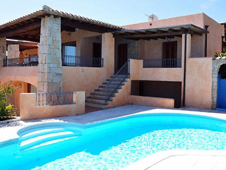 3 bedroom Villa in San Teodoro, Sardinia, Italy : ref 2300082 - Image 1 - San Teodoro - rentals