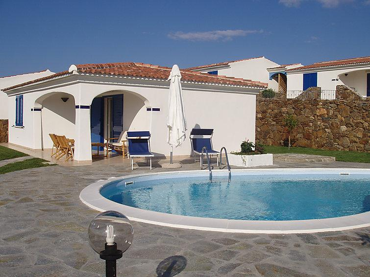 2 bedroom Villa in Budoni, Sardinia, Italy : ref 2300084 - Image 1 - Budoni - rentals