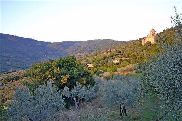 6 bedroom Villa in Cortona, Tuscany, Italy : ref 2301066 - Image 1 - Cortona - rentals