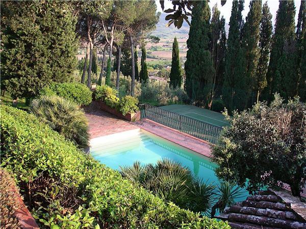 10 bedroom Villa in Cortona, Tuscany, Italy : ref 2301472 - Image 1 - Cortona - rentals