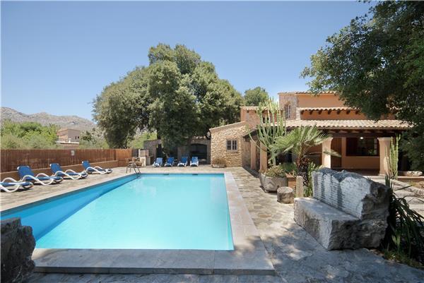4 bedroom Villa in Pollensa, Mallorca, Pollensa, Mallorca : ref 2301543 - Image 1 - Pollenca - rentals