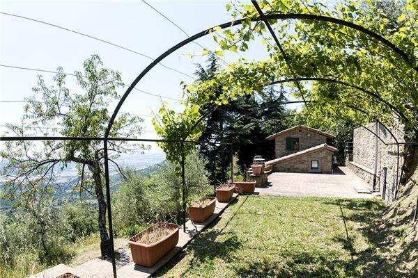 6 bedroom Villa in Cortona, Tuscany, Italy : ref 2302379 - Image 1 - Cortona - rentals