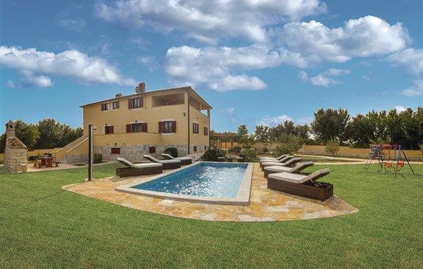 4 bedroom Villa in Pula-Sisan, Pula, Croatia : ref 2302609 - Image 1 - Liznjan - rentals