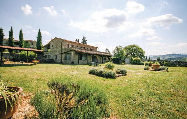 9 bedroom Villa in Bucine, Chianti, Italy : ref 2303900 - Image 1 - Bucine - rentals