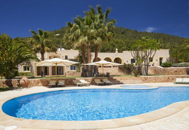 5 bedroom Villa in Sant Josep De Sa Talaia, Ibiza, Ibiza : ref 2306370 - Image 1 - Sant Josep De Sa Talaia - rentals