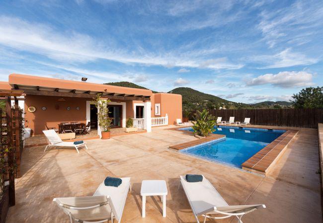 5 bedroom Villa in Sant Antoni De Portmany, Ibiza, Ibiza : ref 2306372 - Image 1 - Sant Antoni de Portmany - rentals