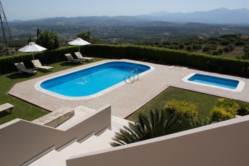 4 bedroom Villa in Heraklion, Crete, Greece : ref 2307474 - Image 1 - Heraklion - rentals